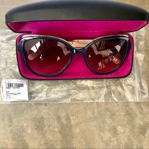 DVF Sunglasses 644S Claire Navy/Cream/Gold